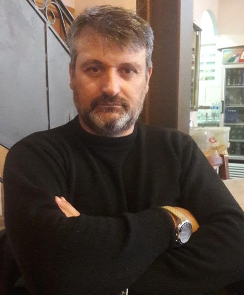 Ο Γιάννης Μύρτσης, συγγραφέας, γεννήθηκε στη Γουμένισσα.